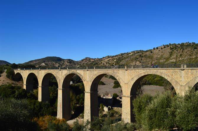 Viaduct Via Verde de la Sierra